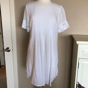 Old Navy white cotton dress